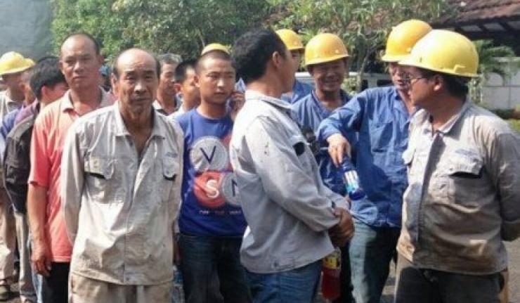 DPR: Banyak Tukang Batu Datang Dari China