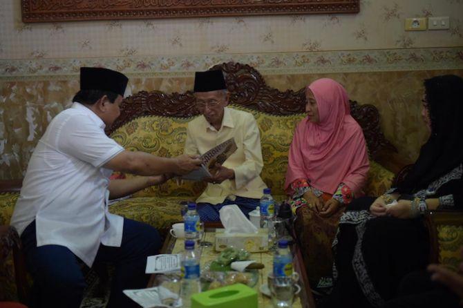 Prabowo Silaturahmi ke Ponpes Shiddiqiah Jombang Didampingi Putri Proklamator