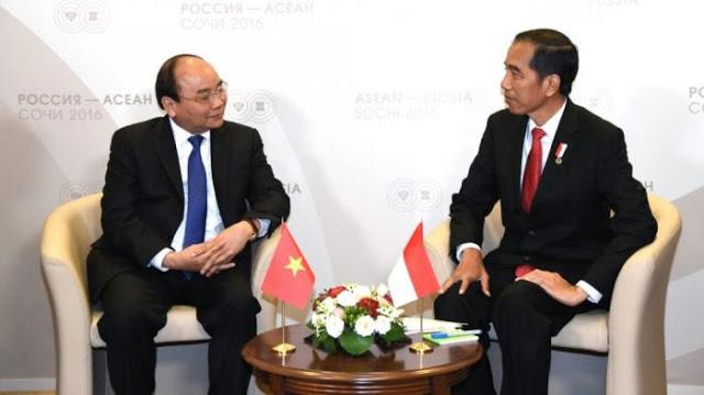 Jokowi Sebut Tak Ada Negara yang Berhasil Atasi Corona dengan Lockdown, Nyatanya Vietnam Bisa!