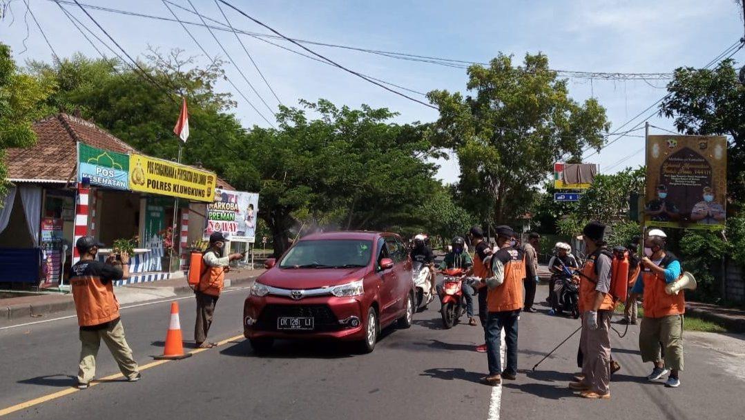Sahabat Subuh Bali Lakukan Penyemprotan Disinfektan Secara Mandiri