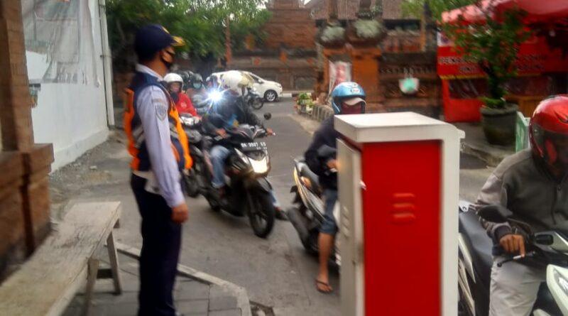 Gugus Tugas Covid-19 Denpasar Pantau Protokol Kesehatan Di Pasar Rakyat