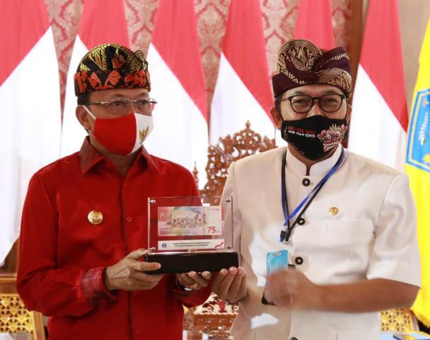 Kain Pegringsingan Bali menjadi Salah Satu Ikon dalam Uang ...