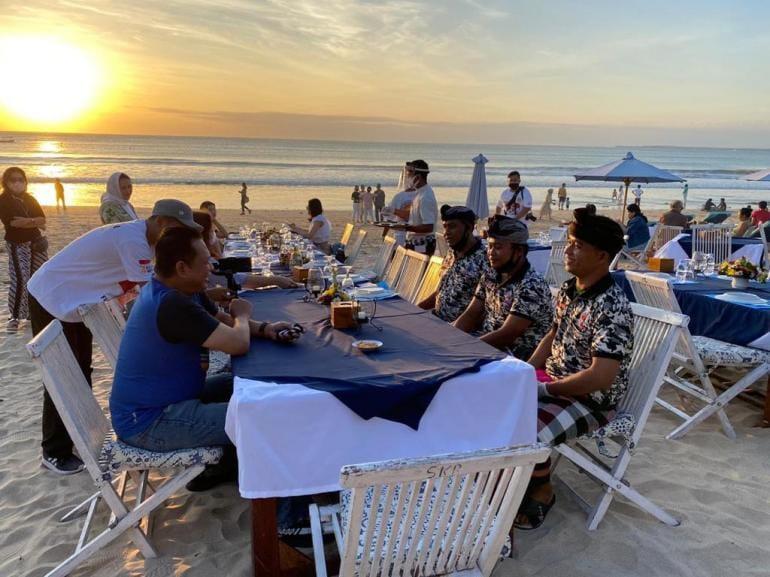 Dongkrak Ekonomi Bali, Bamsoet Ingatkan Penerapan Protokol Kesehatan Saat Bertemu Pecalang