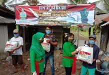 """""""Jum'at Berkah"""", Ibu Hetty Andika Perkasa Berikan Bantuan 50 Paket Sembako Kepada Warga Kurang Mampu"""