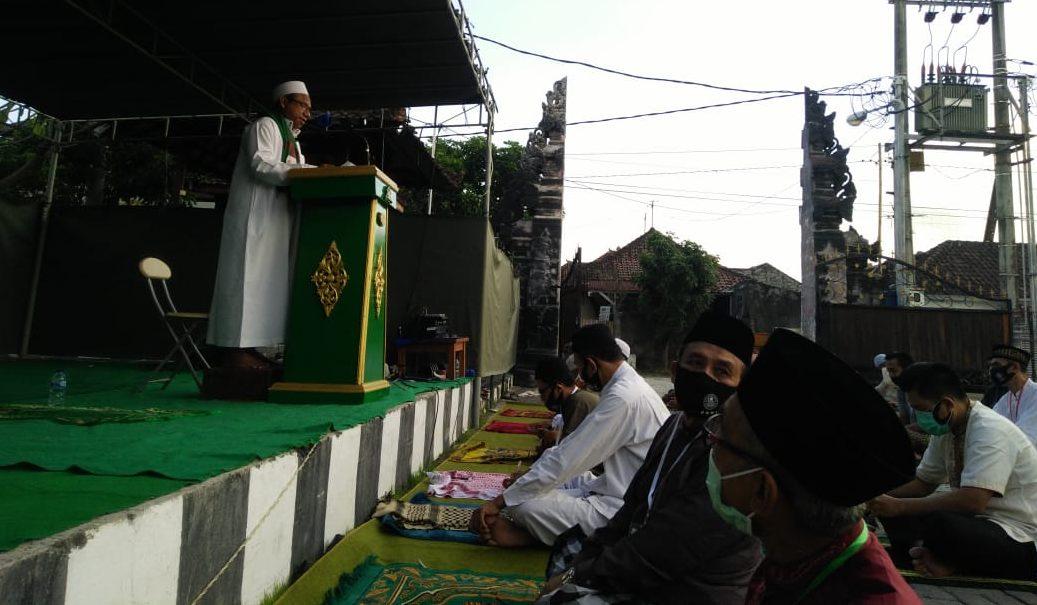 Gelar Sholat Idul Adha 1441 H, Warga Pondok Purnawira Denpasar Terapkan Protokol Kesehatan