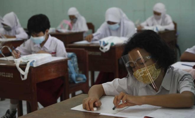 Sekolah Didorong Buka Diduga Demi Hidupkan Perekonomian