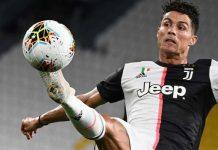 Cristiano Ronaldo Raih Penghargaan Sepatu Emas 2020