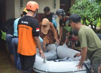 Banjir Di Berbagai Daerah, Ratusan Relawan Muhammadiyah Turun Bantu Warga
