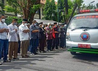 Tiba MTA Solo, Jenazah Ahmad Sukina Disalatkan Diatas Ambulans