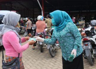 Jokowi Perintahkan Wali Kota Bagikan Masker Kepada Masyarakat
