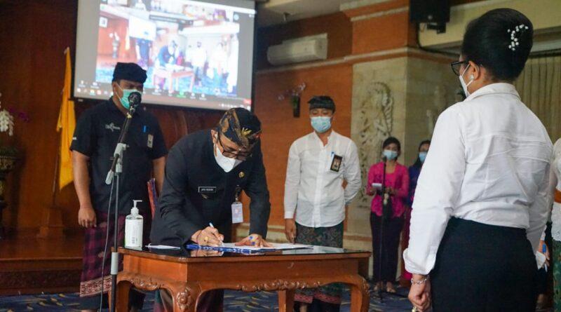 Walikota Jaya Negara Lantik Pejabat Pimpinan Tinggi Pratama Dan Pejabat Fungsional