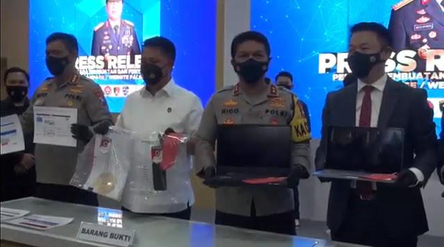 Dua Hacker Indonesia Palsukan Situs Bansos Covid Milik AS, 60 Juta USD Masuk ke Rekening Pelaku