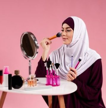Enam Rekomendasi Makeup Halal untuk Hari Raya, Bikin Kian Cantik