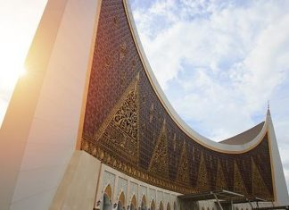 Korupsi Infak Rp 1,7 M, Eks Bendahara Masjid Raya Sumbar Tetap Dibui 7 Tahun