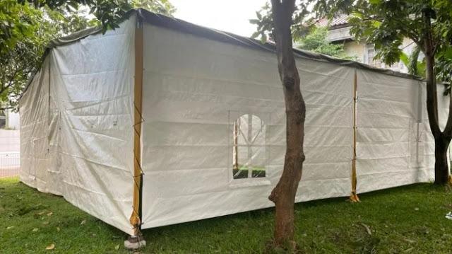 Tak Punya Masjid, Warga Muslim Komplek TVM Gelar Taraweh Di Bawah Tenda