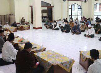 Wabup Badung Buka Puasa Bersama Di Masjid Agung Ibnu Batutah Puja Mandala