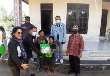 KPU Bali Salurkan Bantuan Sembako dan Keperluan Sekolah untuk Warga Tidak Mampu