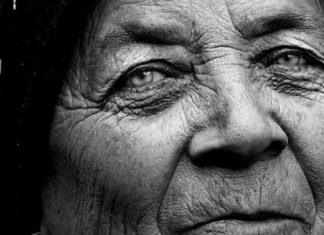 Sedih! Kisah Pilu Nenek ini Sudah Siapkan Kue Lebaran namun Keluarga Tak Ada Yang Datang