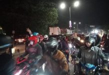 Jebol Juga Pembatas Jalur Pantura, Pemudik Lewati Penyekatan Karawang-Bekasi Tanpa Dicek
