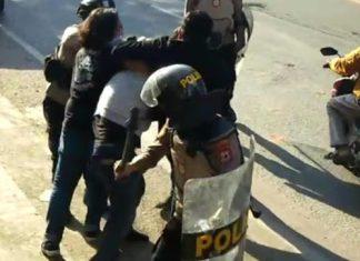 Viral! Mahasiswa UIN Makassar Dikeroyok Polisi, Ditendang Dan Dipukul Pentungan