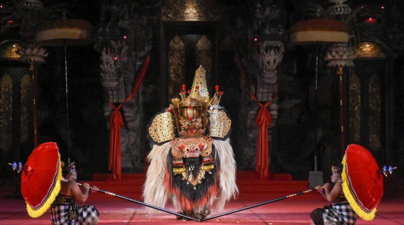 Duta Kota Denpasar Tampil Memukau Pada Lomba Bapang Barong Di PKB XLIII