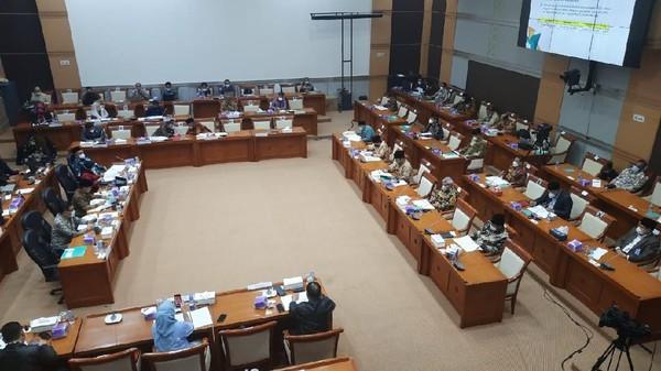 Komisi VIII-Menag Rapat Tertutup Bahas Haji 2021, Ada Apa Ya?