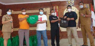 Peduli Dampak Covid-19, KPU Denpasar Bagikan Sembako