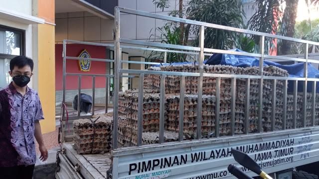 Kampus Muhammadiyah Gandeng LazisMu Borong Telur Peternak 2,5 Ton