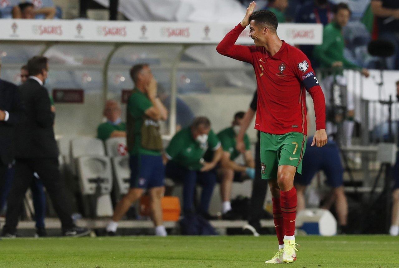 Baru Gabung Man United, Ronaldo Rasakan Sensasi Dipenjara