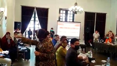 Risma Marah-marah di Gorontalo Gara-gara Data Tak Sinkron: Tak Tembak Kamu!